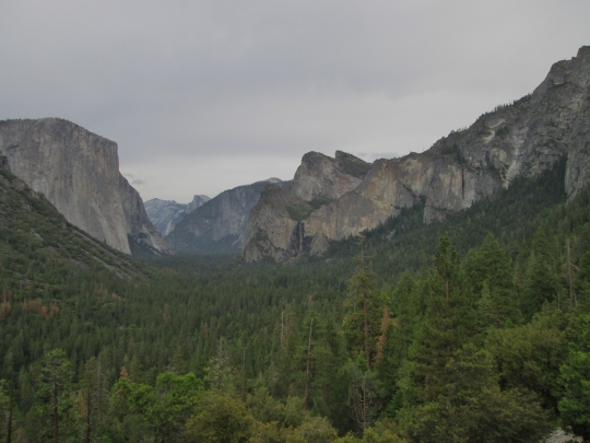 Tunnel View: El Capitan, Cloud's Rest, Half Dome & Bridalveil Fall